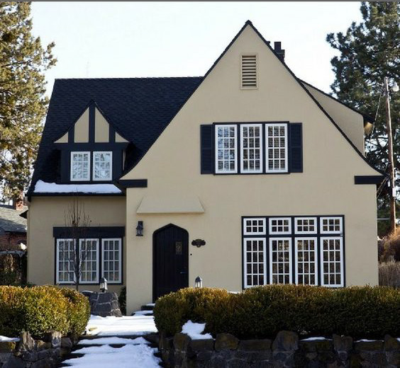 buy a house - Photo of English Tudor home